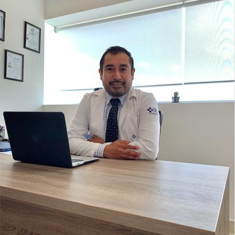 Dr. Hugo Morales - Coloproctólogo en Puebla